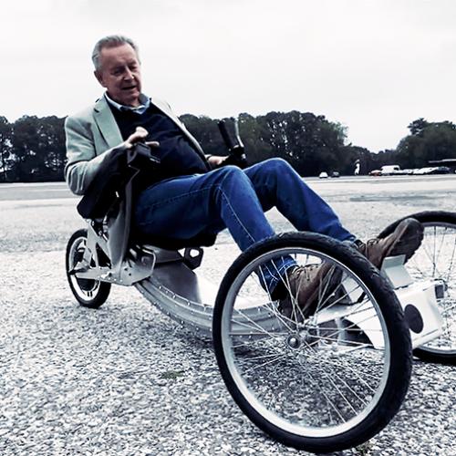 Günter Rood bei der 1. Testfahrt Sitdriver